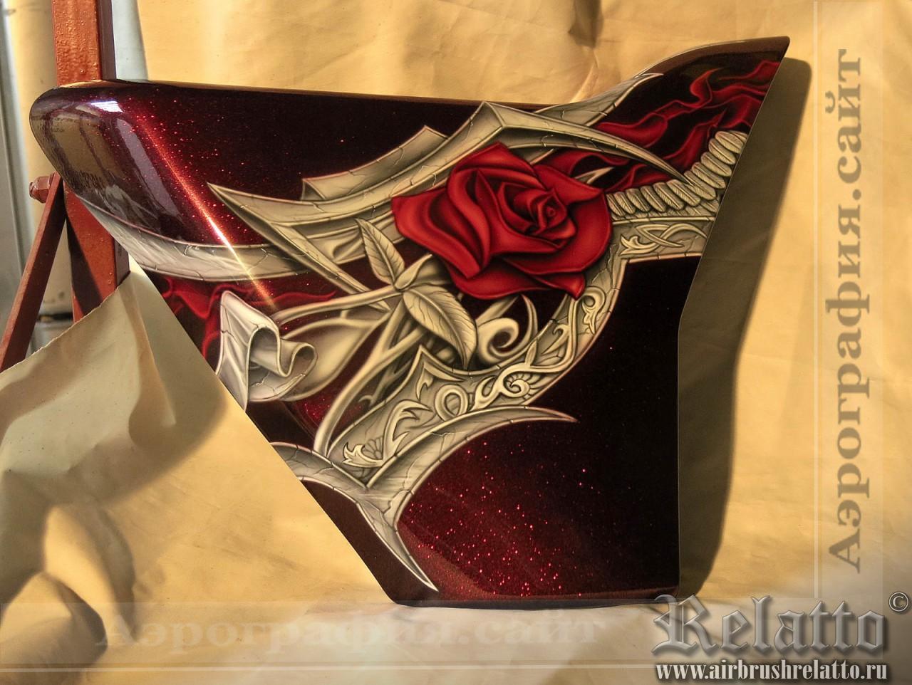 Аэрография Trike Harley Davidson розы
