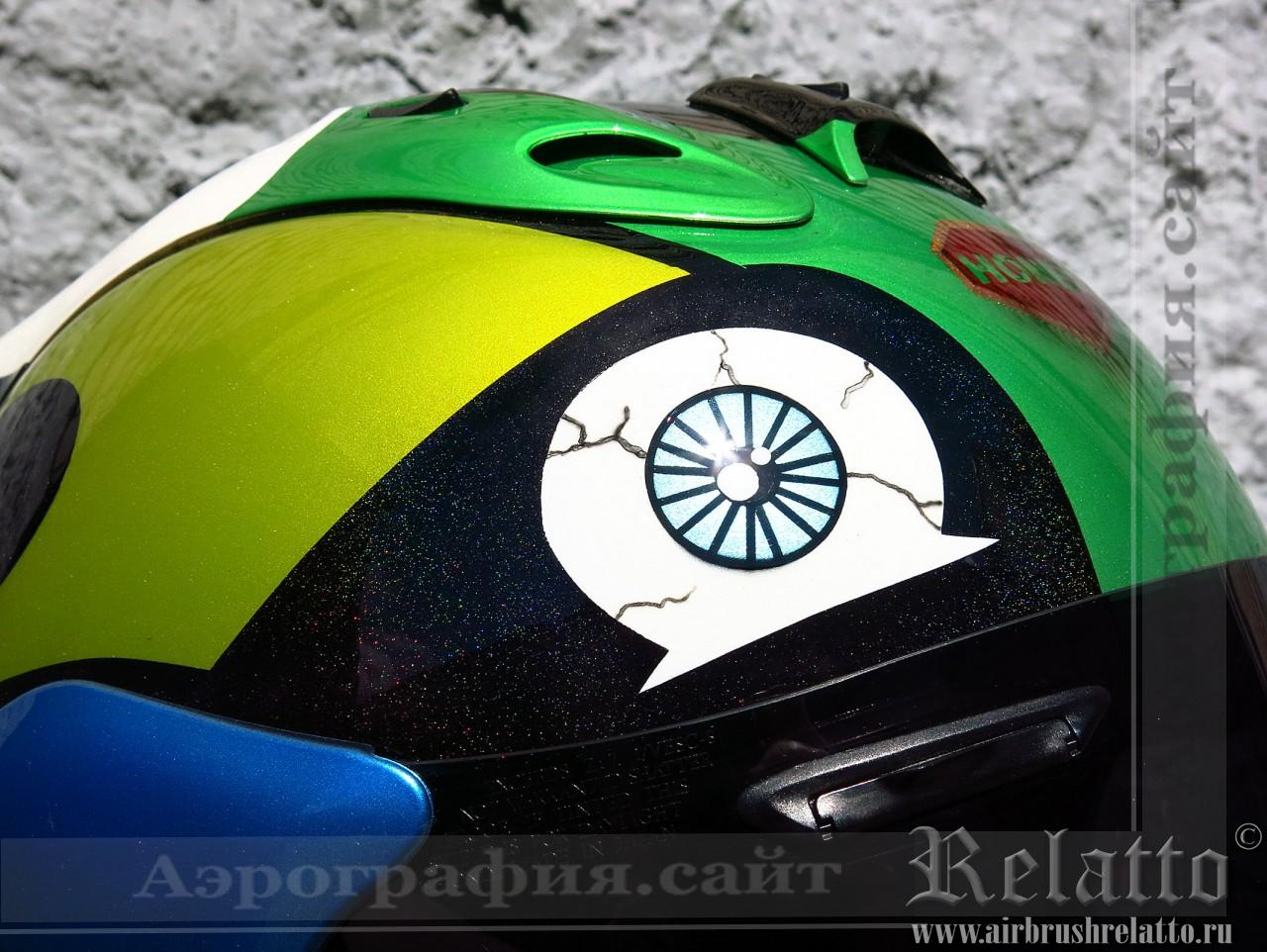 графический рисунок на шлеме Arai