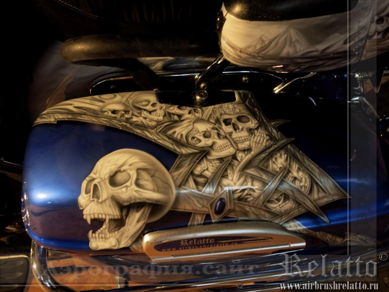 Аэрография на мотоцикле Yamaha Venture черепа
