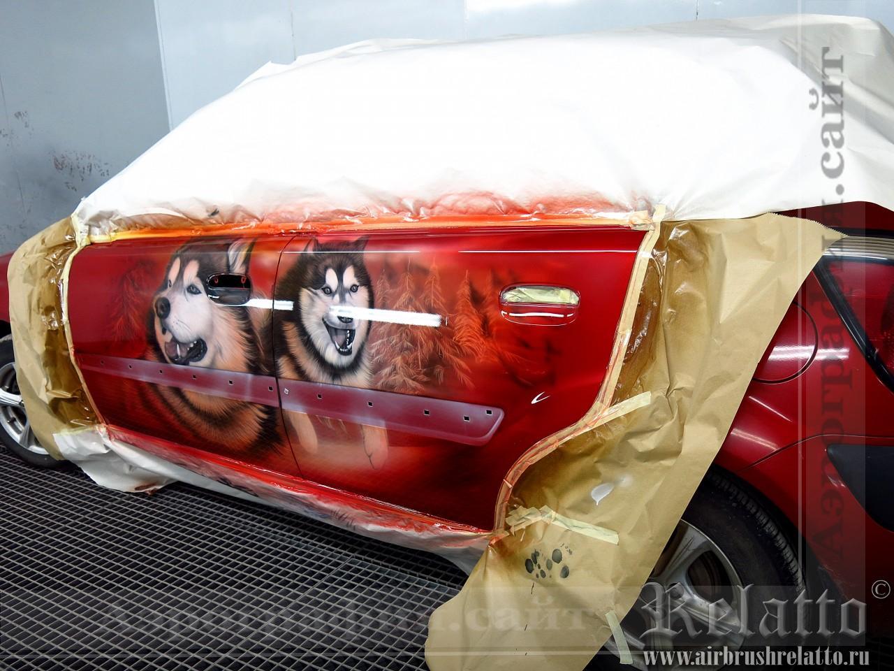 Аэрография на красном автомобиле - Лайки