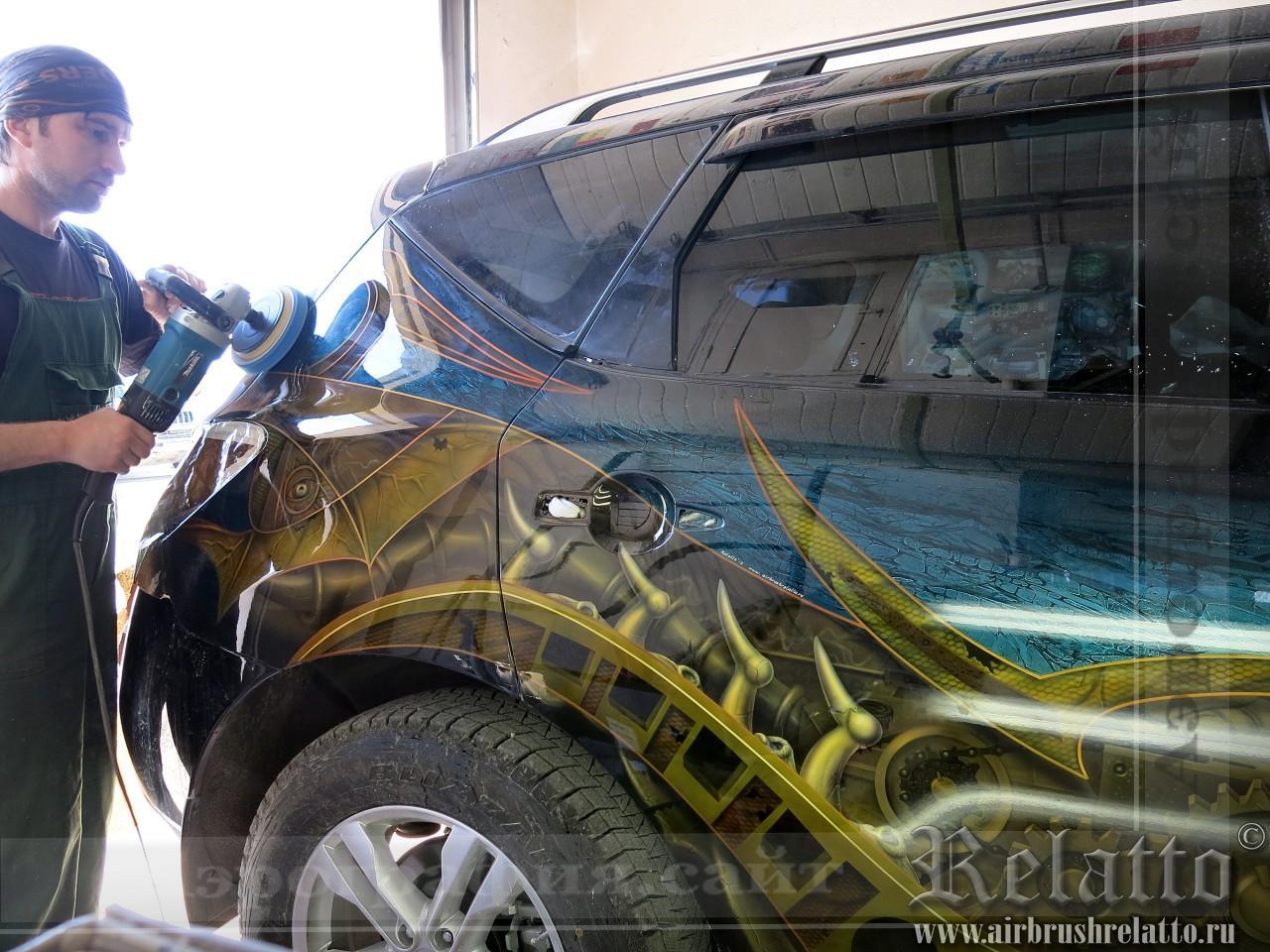 Полировка  рисунка автомобиля