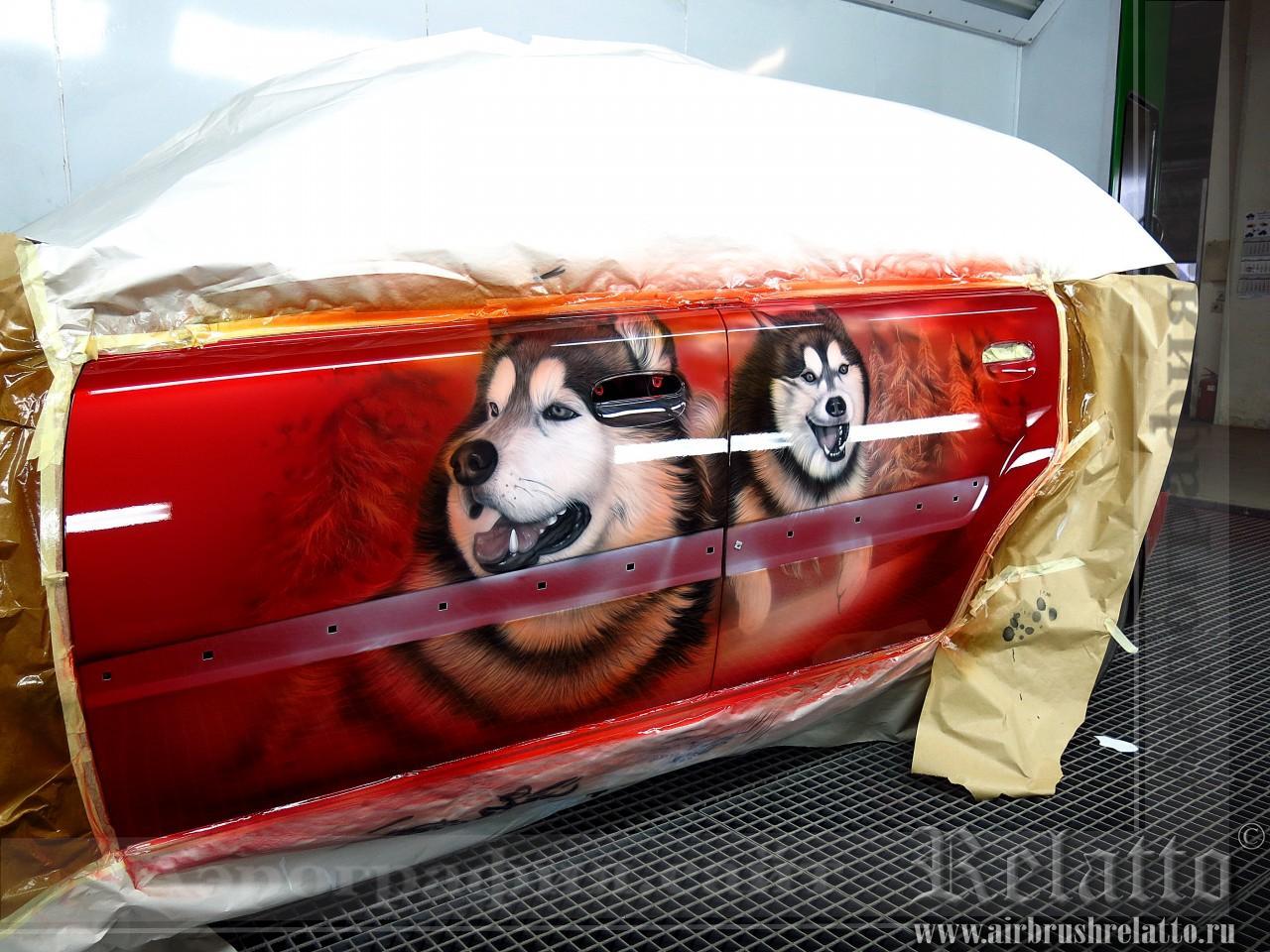 Аэрография на красном авто  Лайки