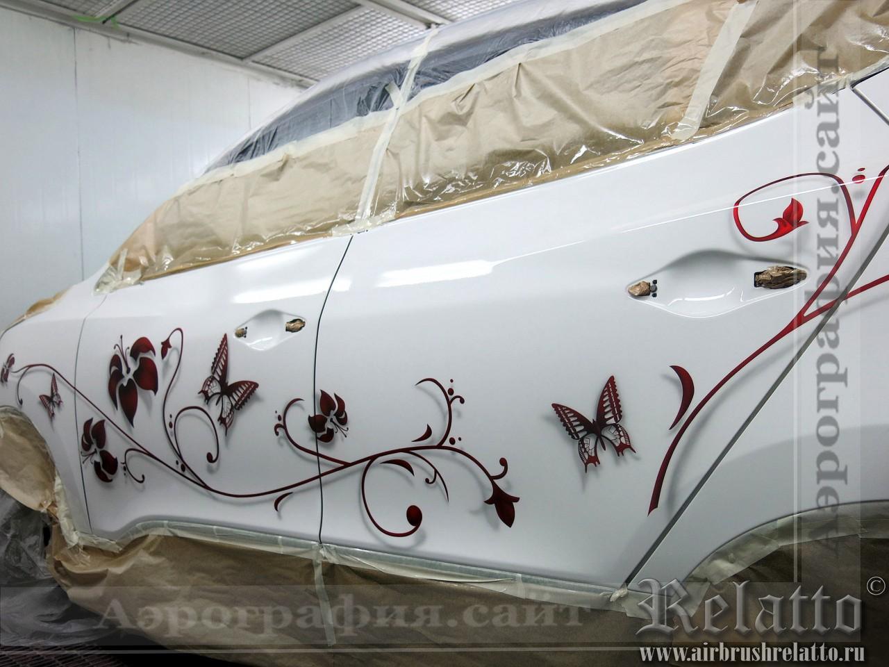 цветочный дизайн на автомобиле