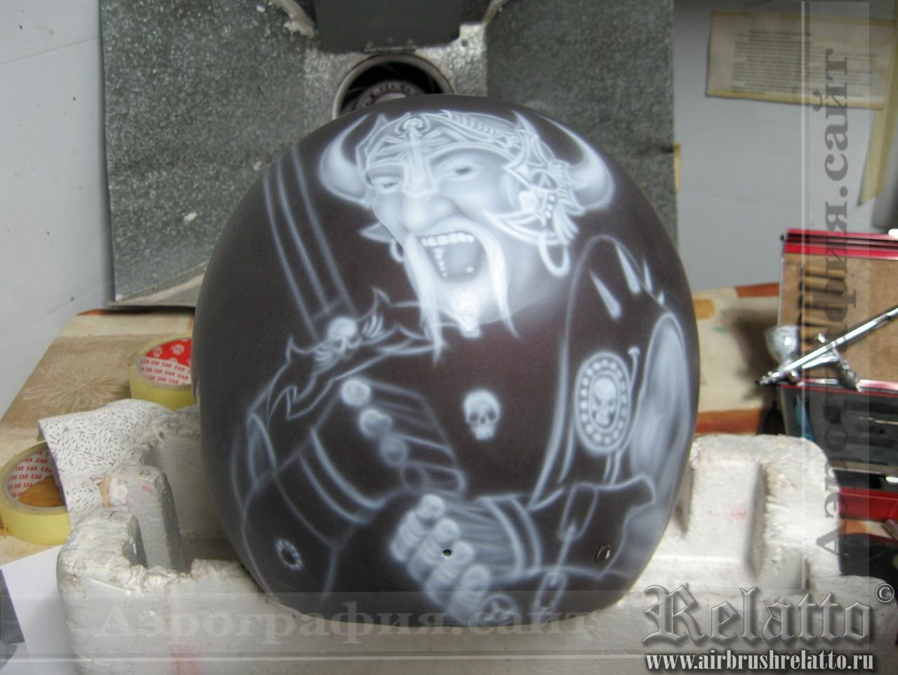 Аэрография шлема Harley Davidson процесс