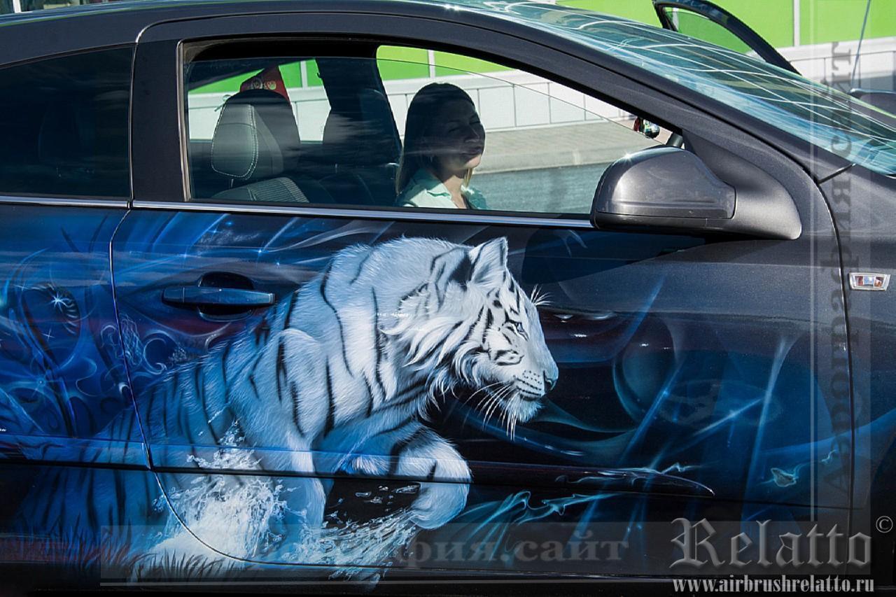 Аэрография автомобиля- тигр