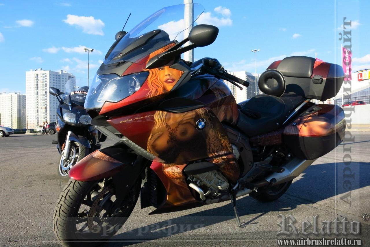 Аэрография мотоцикла BMW  - Сиськи Амстердама