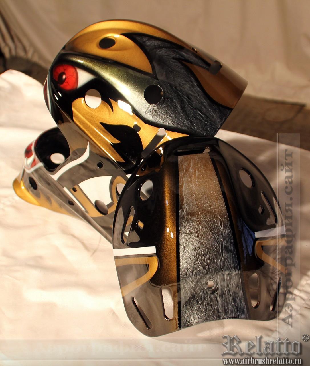 Отрисованный и залаченный шлем вратаря