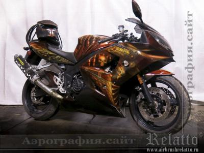 аэрография на мотоцикле Triumph Хищник Predator airbrush Краснодар