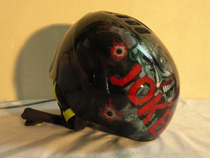 аэрография на сноубордовском шлеме