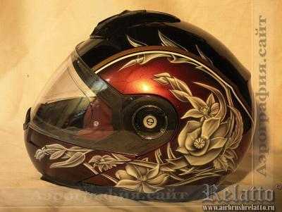Цветочный дизайн на шлеме Краснодар