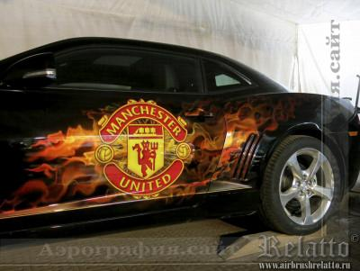 Рисунок на автомобиле Manchester United Краснодар