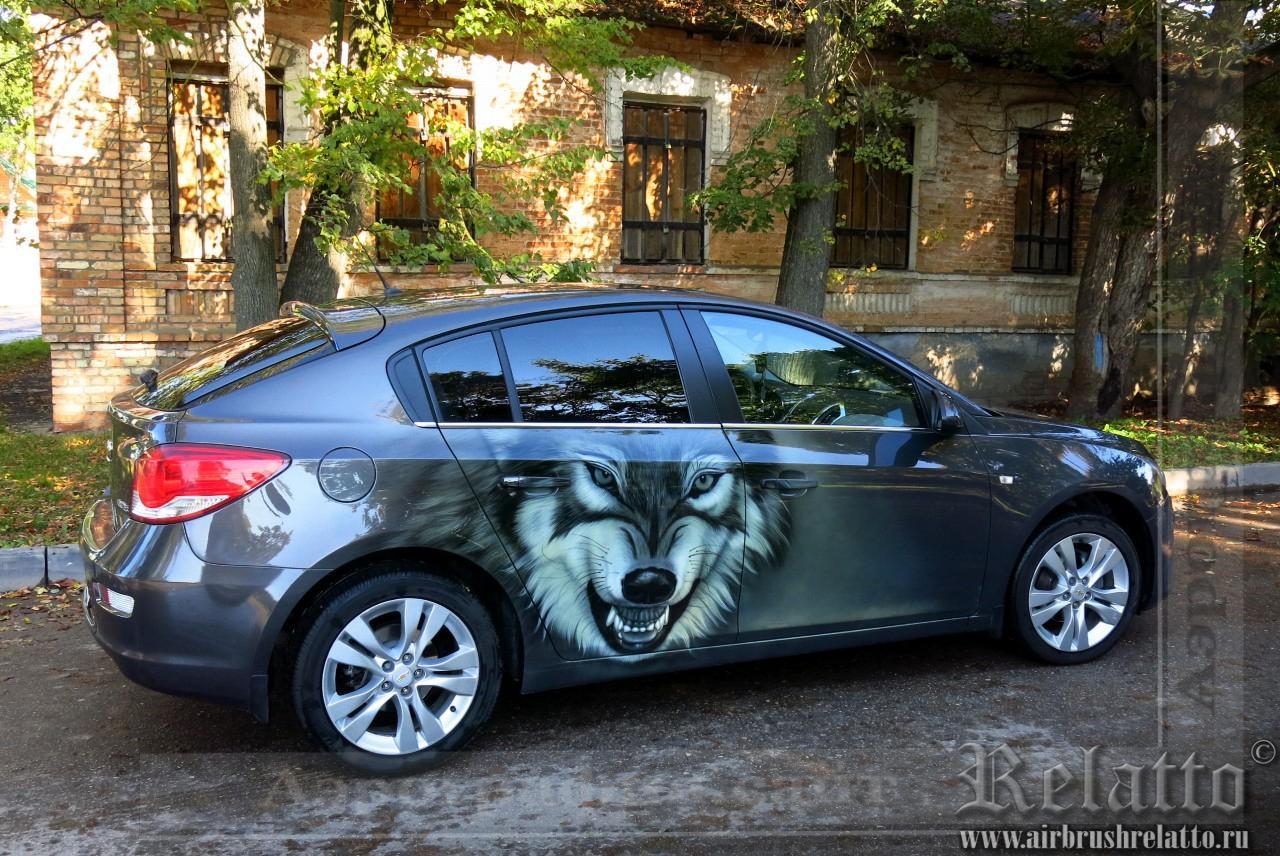 Аэрография на авто волк