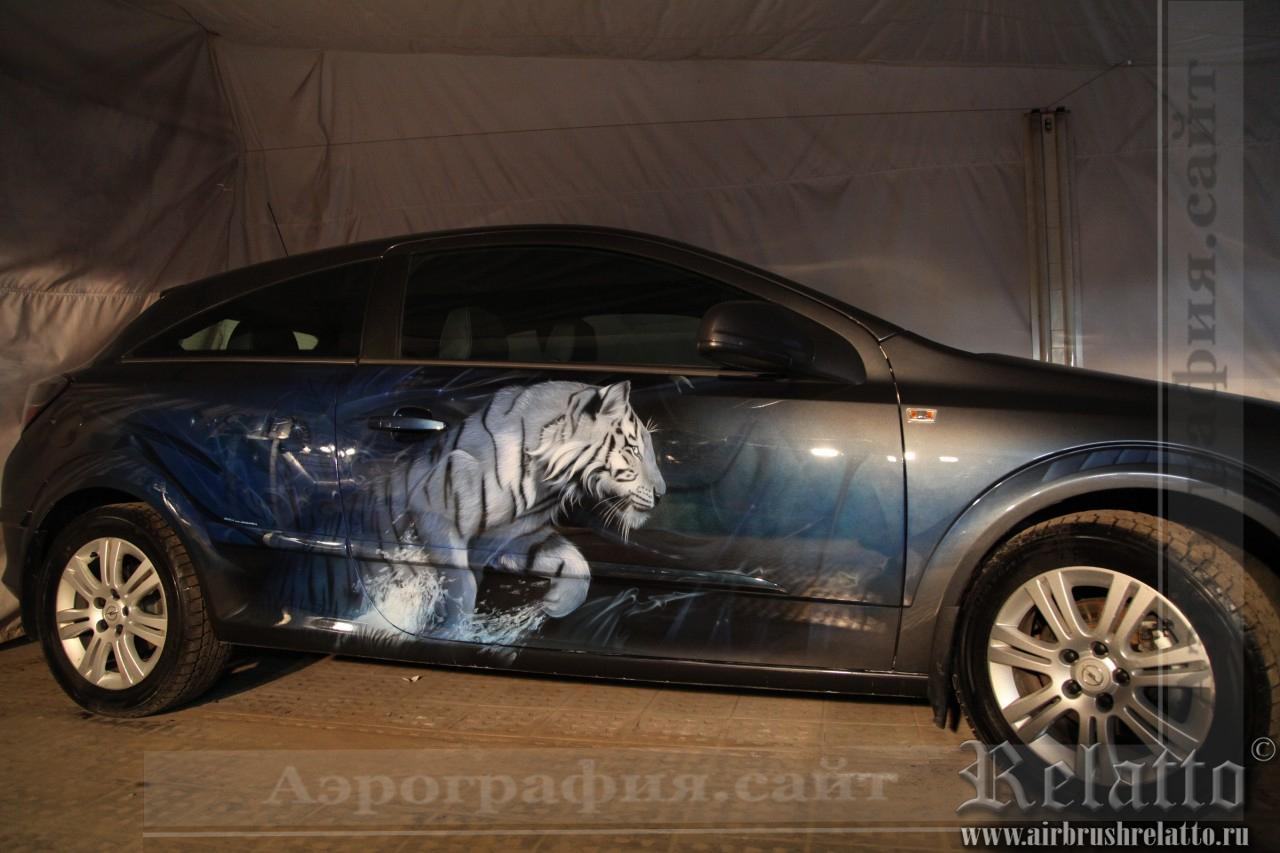 Аэрография машины- тигр